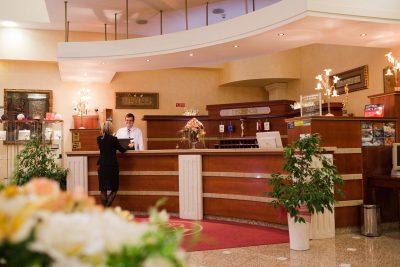 Recepcia - nafotenie prevádzky hotela