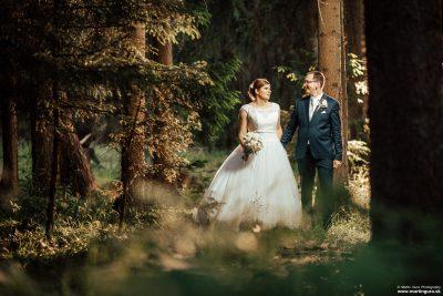 svadobná foto v lese