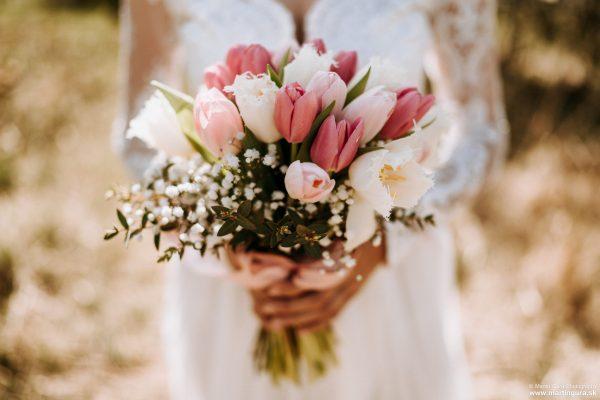 Svadobné fotografie L&M - svadobný kytica