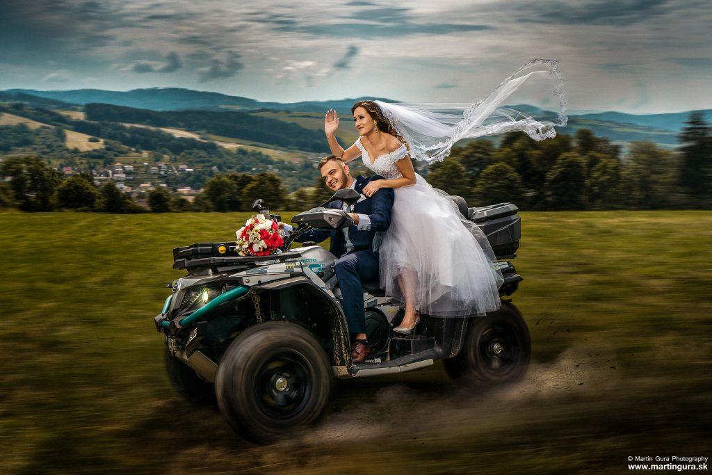 rýchla jazda - svadobná fotografia